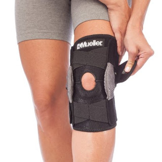 Mueller® Hinged Knee Quadriceps Tendinitis Brace