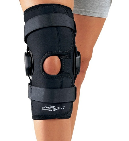 DONJOY Deluxe Hinged Knee Support