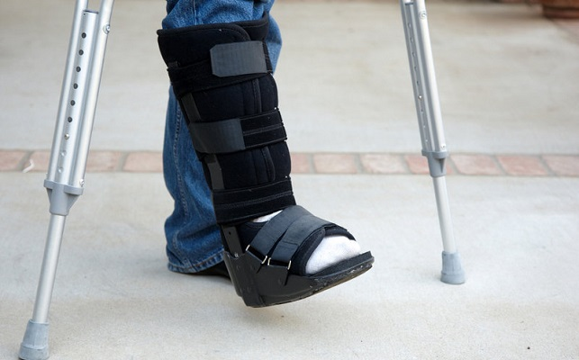 Walking-Boots-for-Sprained-Ankles